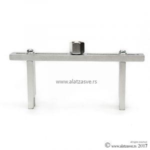 Ključ za odvijanje poklopca rezervoara